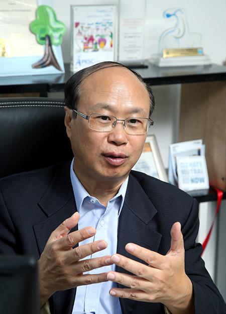 低碳亞洲有限公司行政總裁黎廣德
